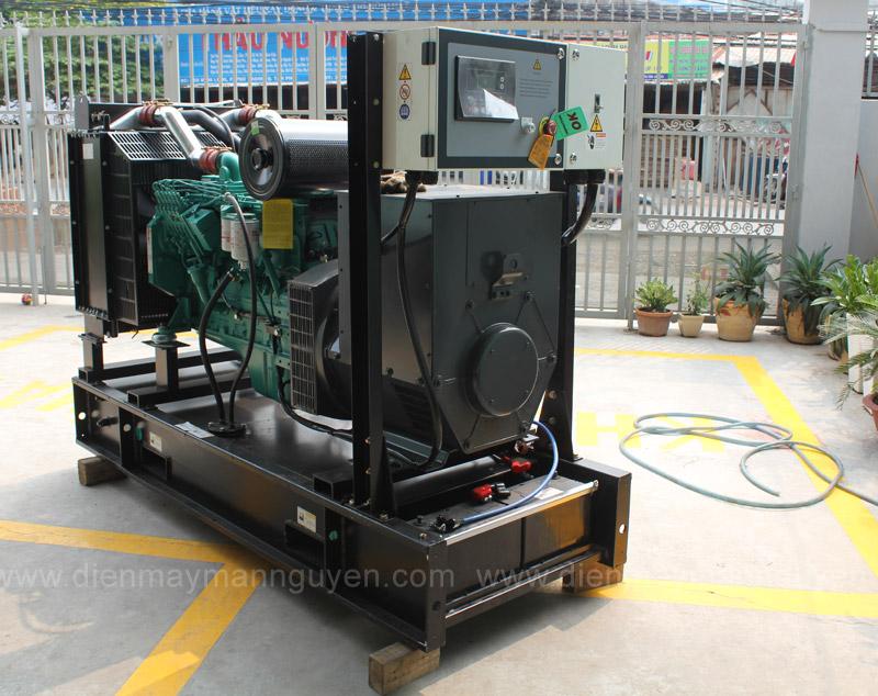 máy phát điện tại Mẫn Nguyên